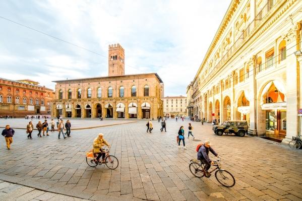 Maggiore square in Bologna city